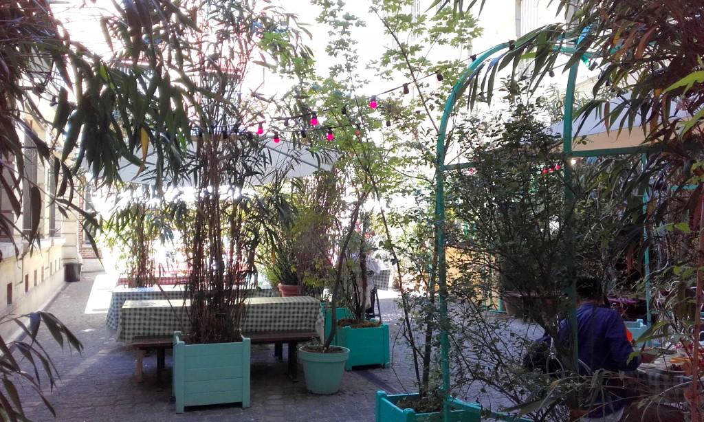 jardin-municipal-paris-bar-ephemere 3